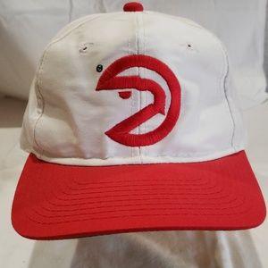Vintage Retro Atlanta Hawks snapback hat.